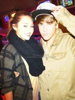 Miley cyrus dating justin bieber
